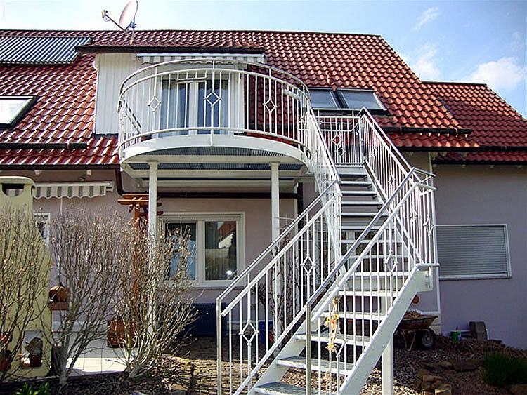 Schlosserei Groß - Balkonkonstruktionen